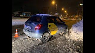 З місця події: у Києві в ДТП потрапили два таксі, є постраждалі
