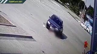 У Дрогобичі водій двічі переїхав дитину