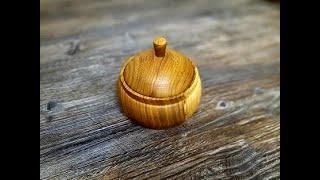 Токарный станок. Горшочек из грецкого ореха.  (wood lathe. A pot of walnuts.)